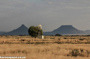 Karoo, flat-topped mountains