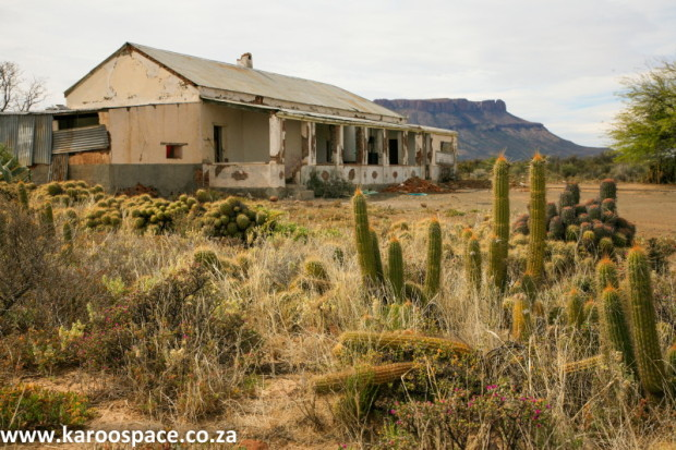 Restoring karoo architecture karoo space for Farm style houses south africa