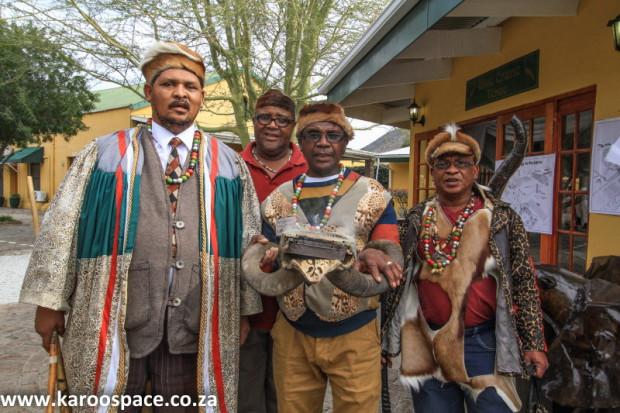 Daantjie Japhta, chief of the Khoi's Inqua tribe (left)