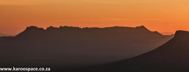 Tandjiesberg mountain, Karoo, Pearston