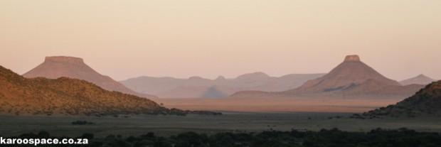 Teebus and Koffiebus hills, Karoo
