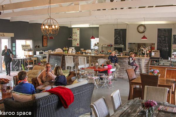 The Story Coffee Shop, Tarkastad