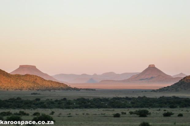 Dolerite-topped hills, Karoo