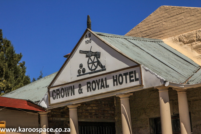 crown and roysl