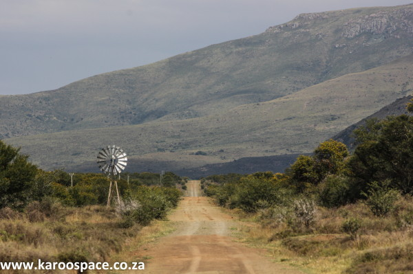 Windpump, Karoo road